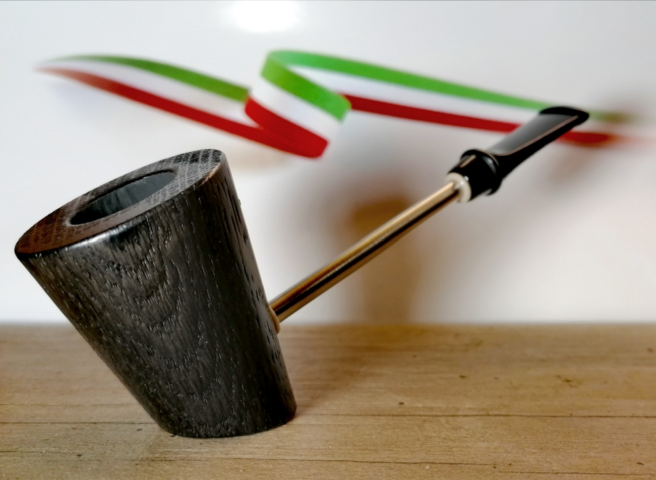 "Job Pipe "" Fossil Steel Plume "" pipa per tabacco in quercia Fossile - NON DISPONIBILE -"