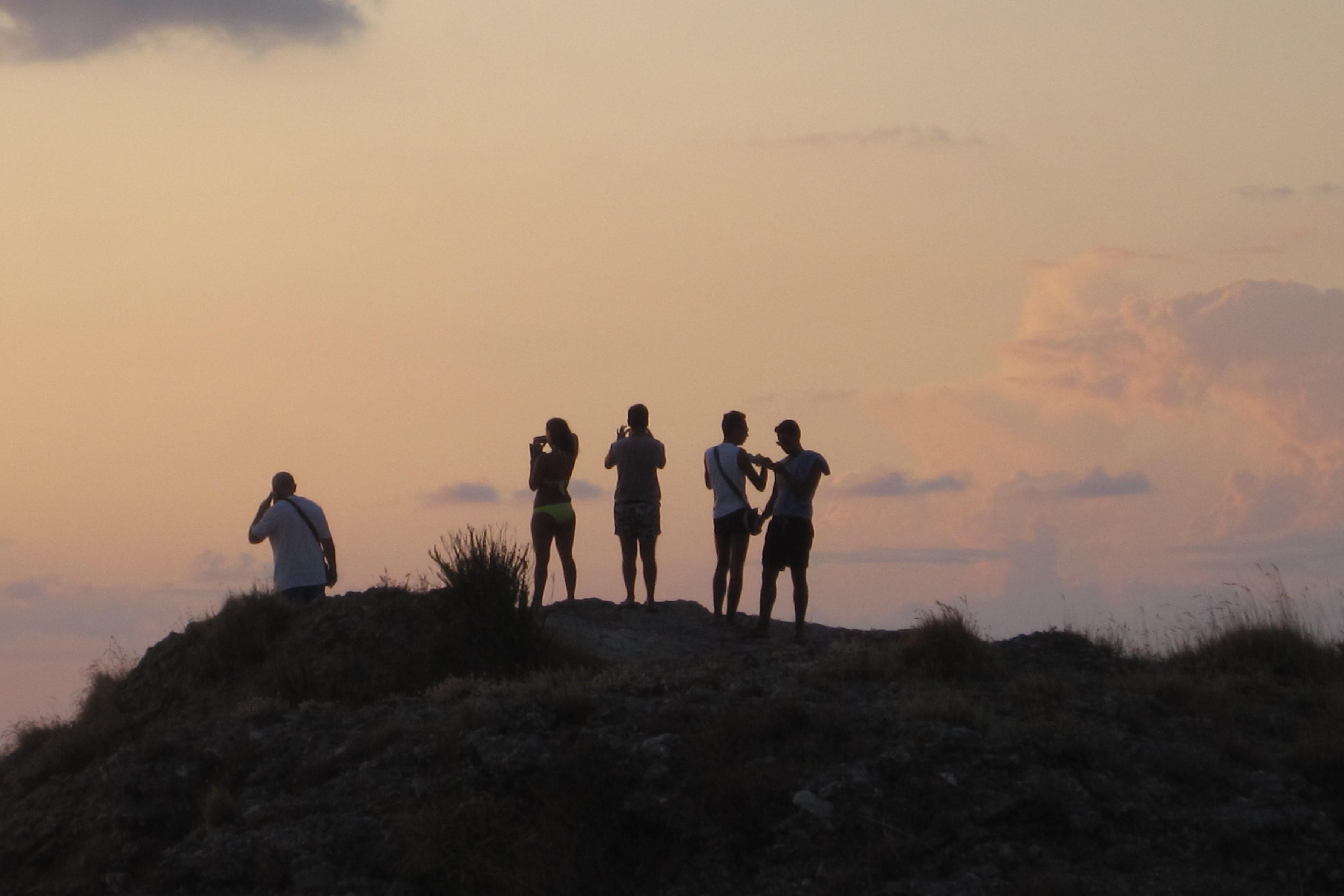 11 ragazzi tramontoJPG