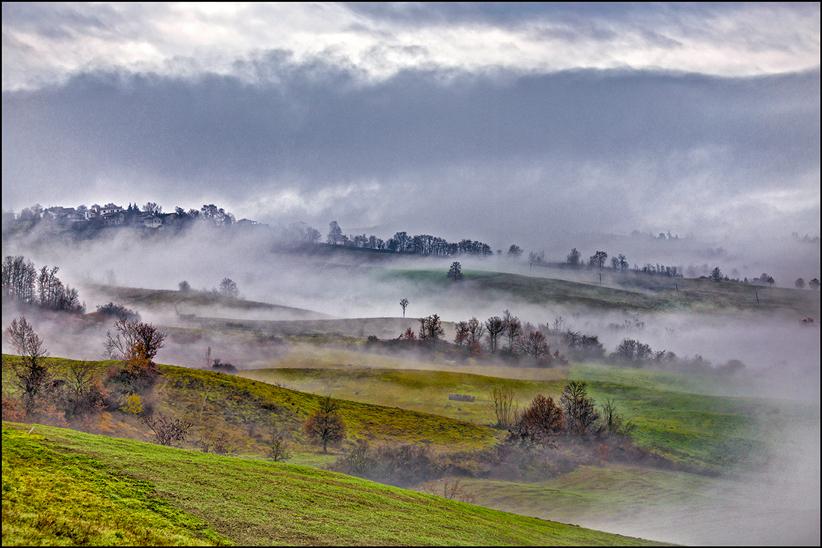 La Nebbia agli irti Collijpg