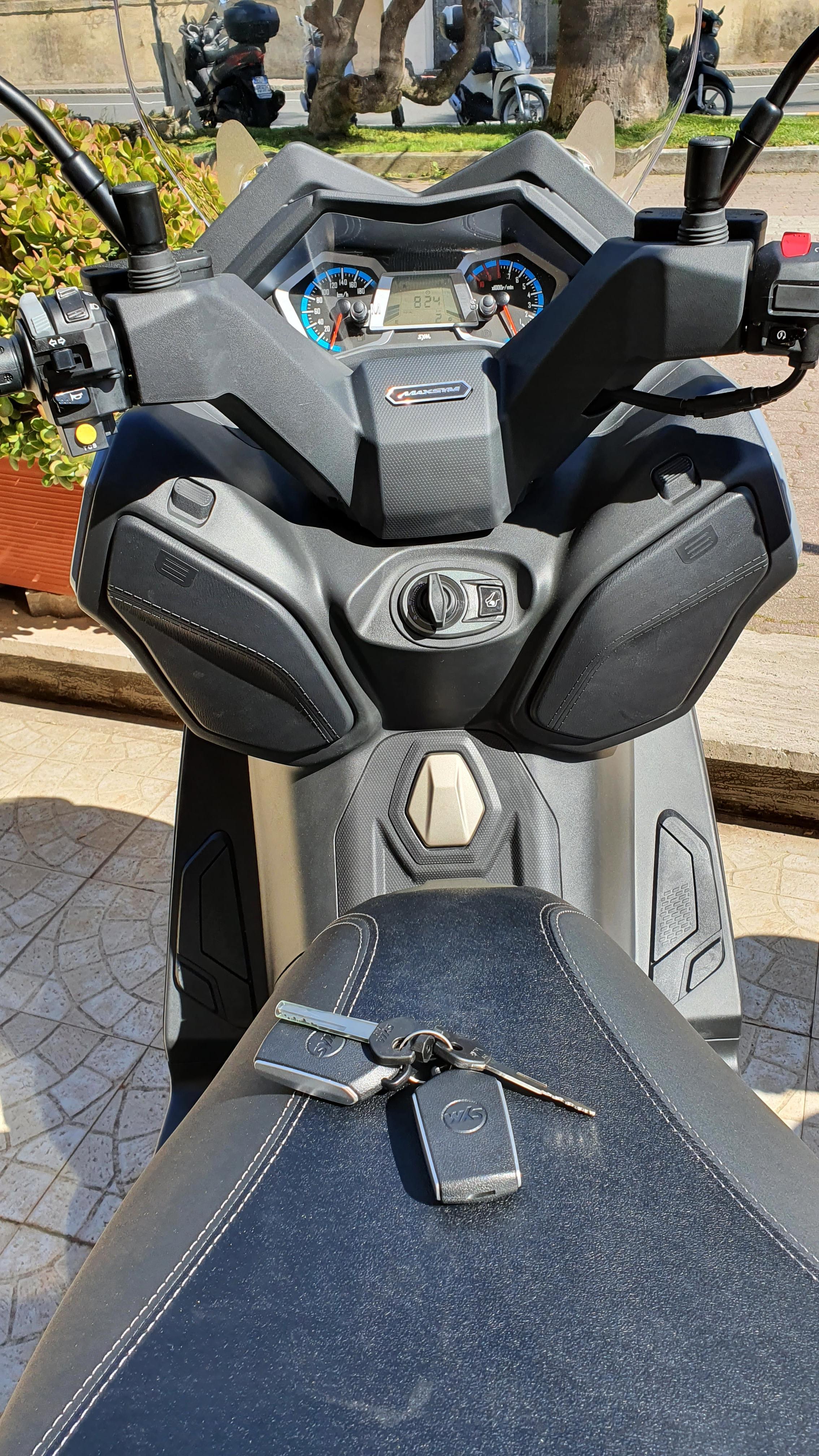 Maxsym 400 keyless DGR Garage motojpg