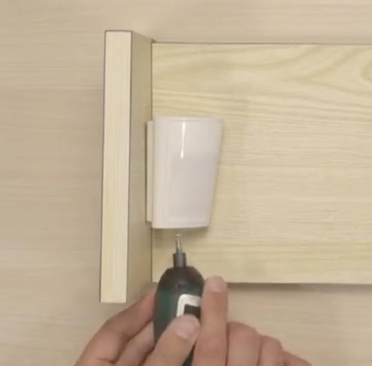 Come installare il rilevatore BW-802 con una staffa angolare - YouTube png