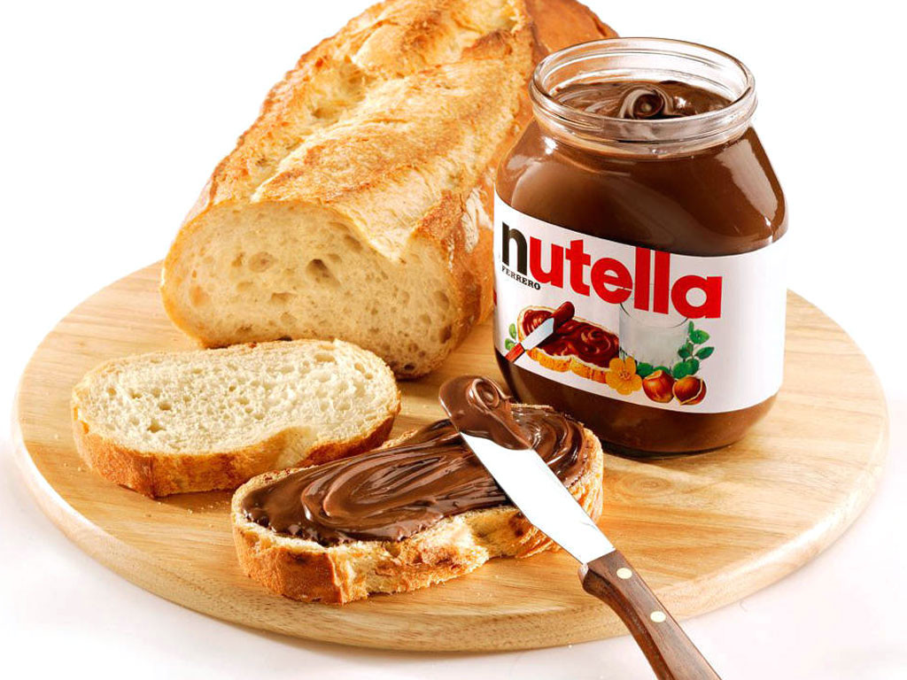 "Ferrero: Nutella 900 gr  ""Imported from Italy"""