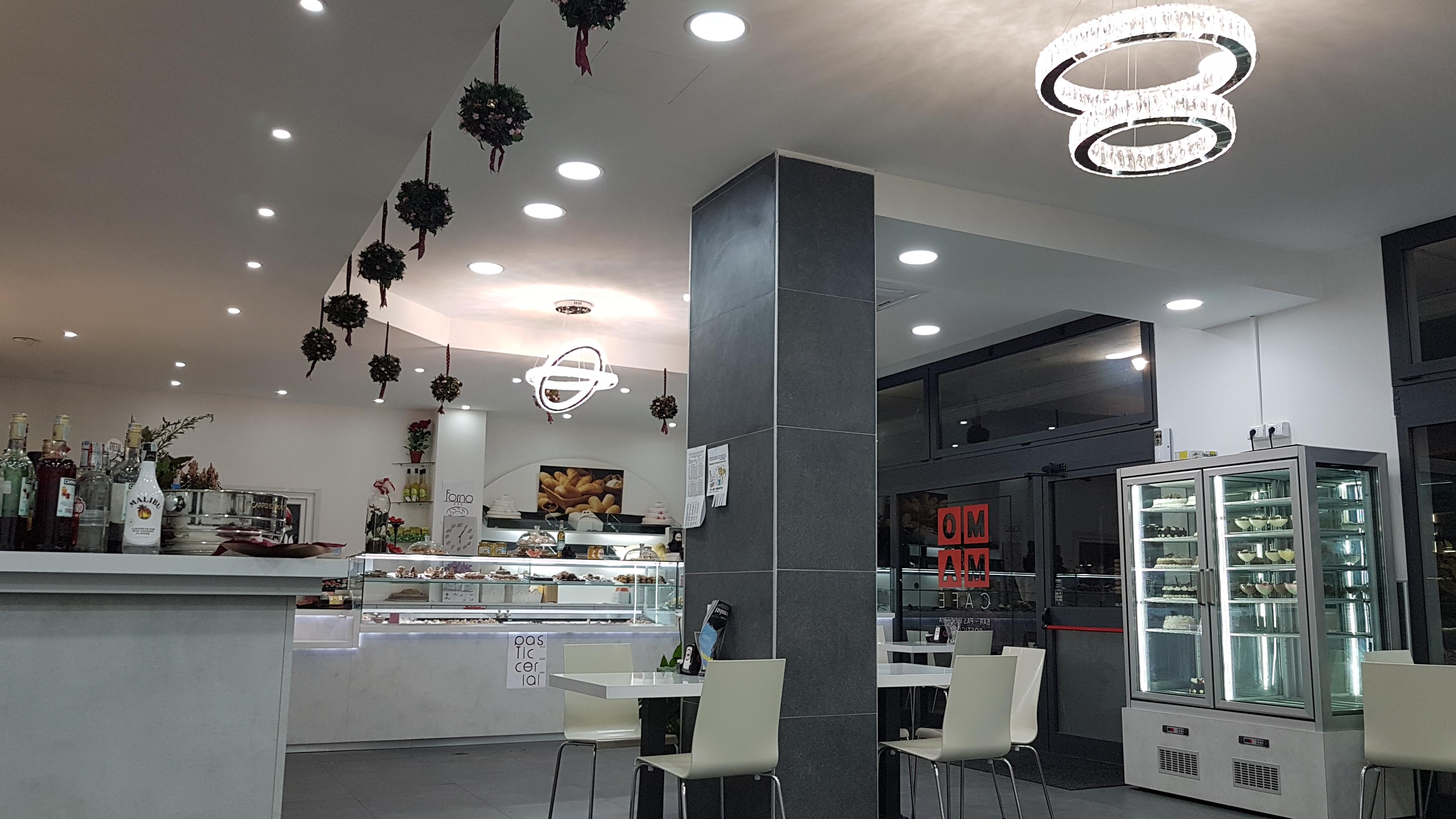 MOMA CAFFE PASTICCERIA  ROSTICCERIA  PANETTERIA  TAVOLA CALDA 2jpg