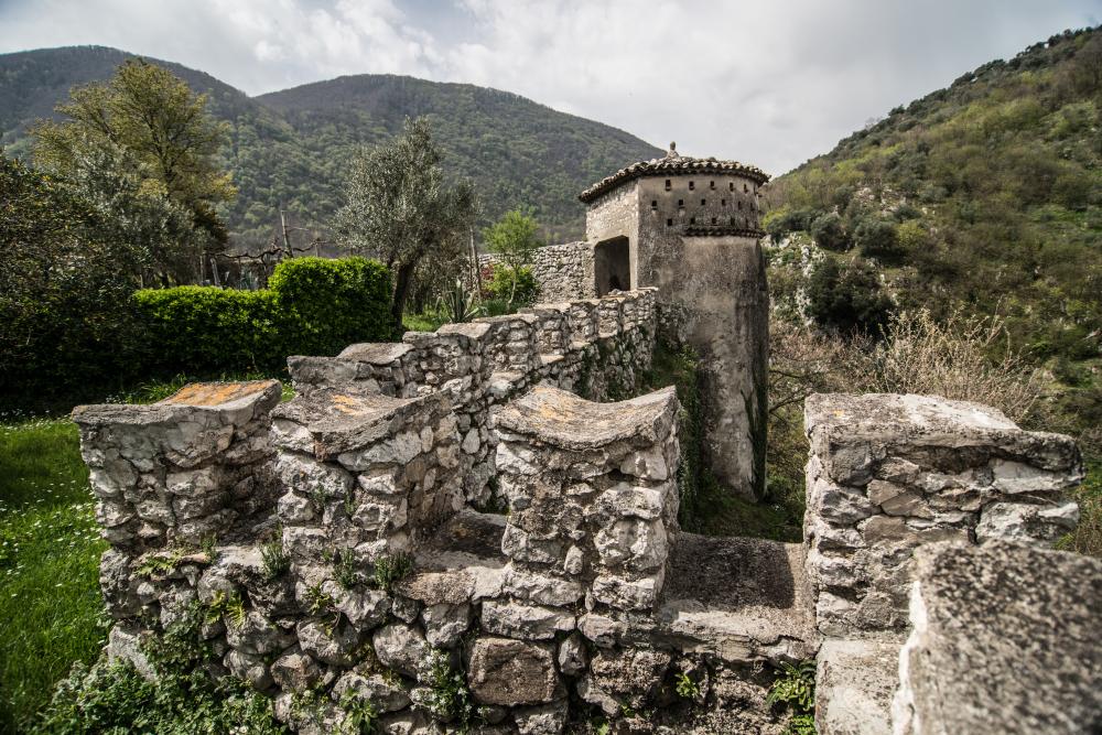 Castello Pignatelli della Leonessajpg
