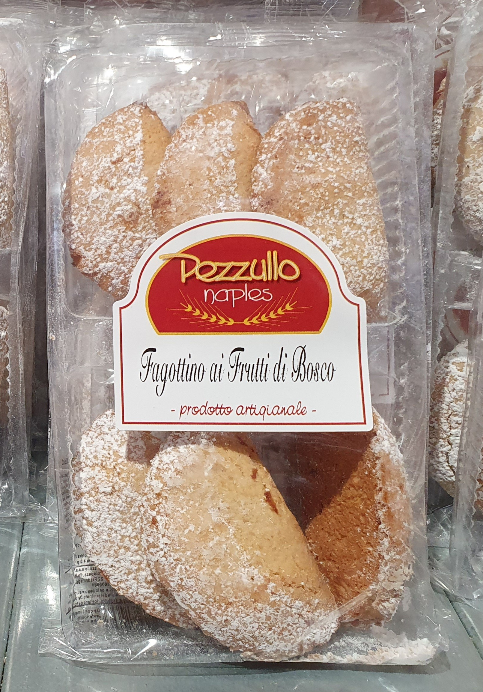"Pastry bends with forest fruit filling 150gr (5.29oz) ""Imported from Italy"""