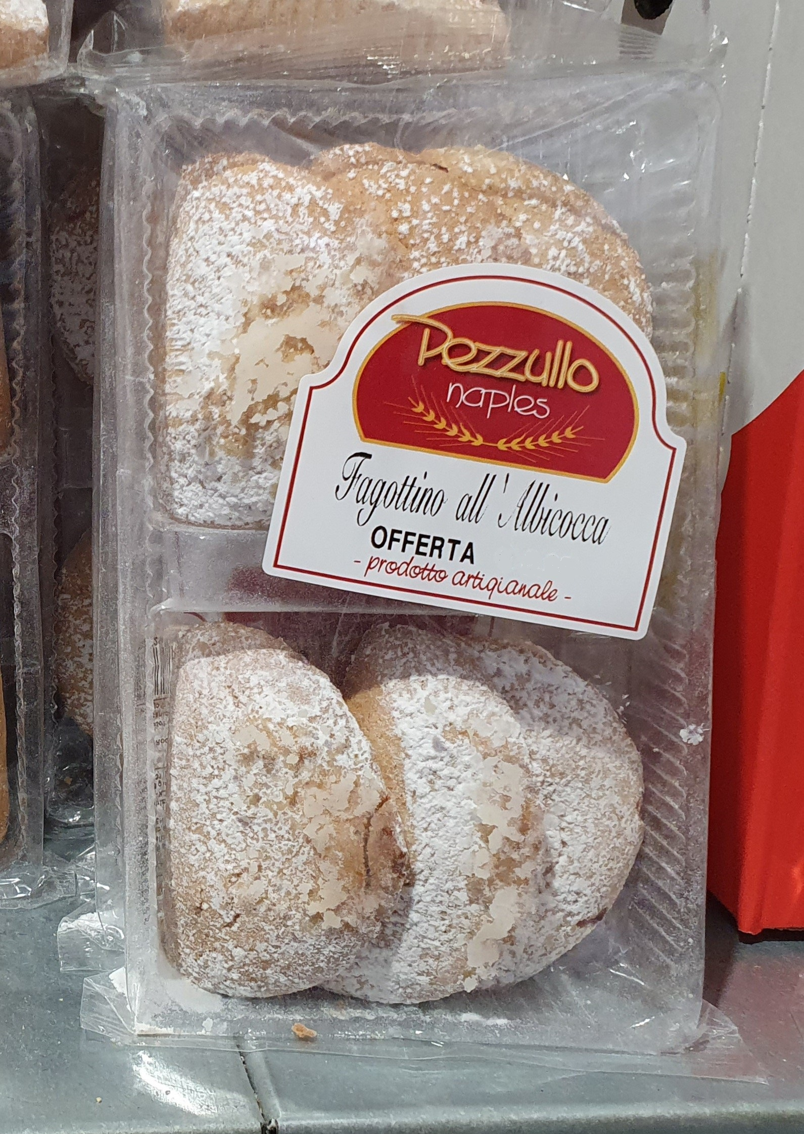 "Pastry bends with apricot filling 150gr (5.29oz) ""Imported from Italy"""
