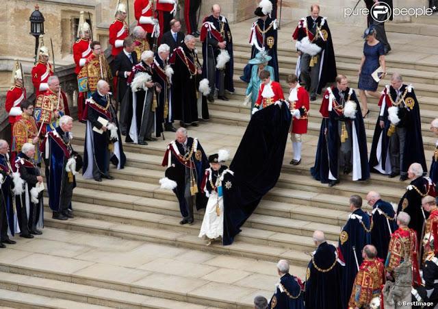 1159820-le-prince-charles-et-la-reine-elisabeth-950x0-2jpg