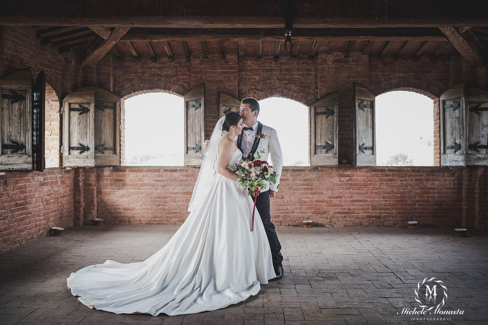 Lauren & Josh - Get married in a castle in Siena