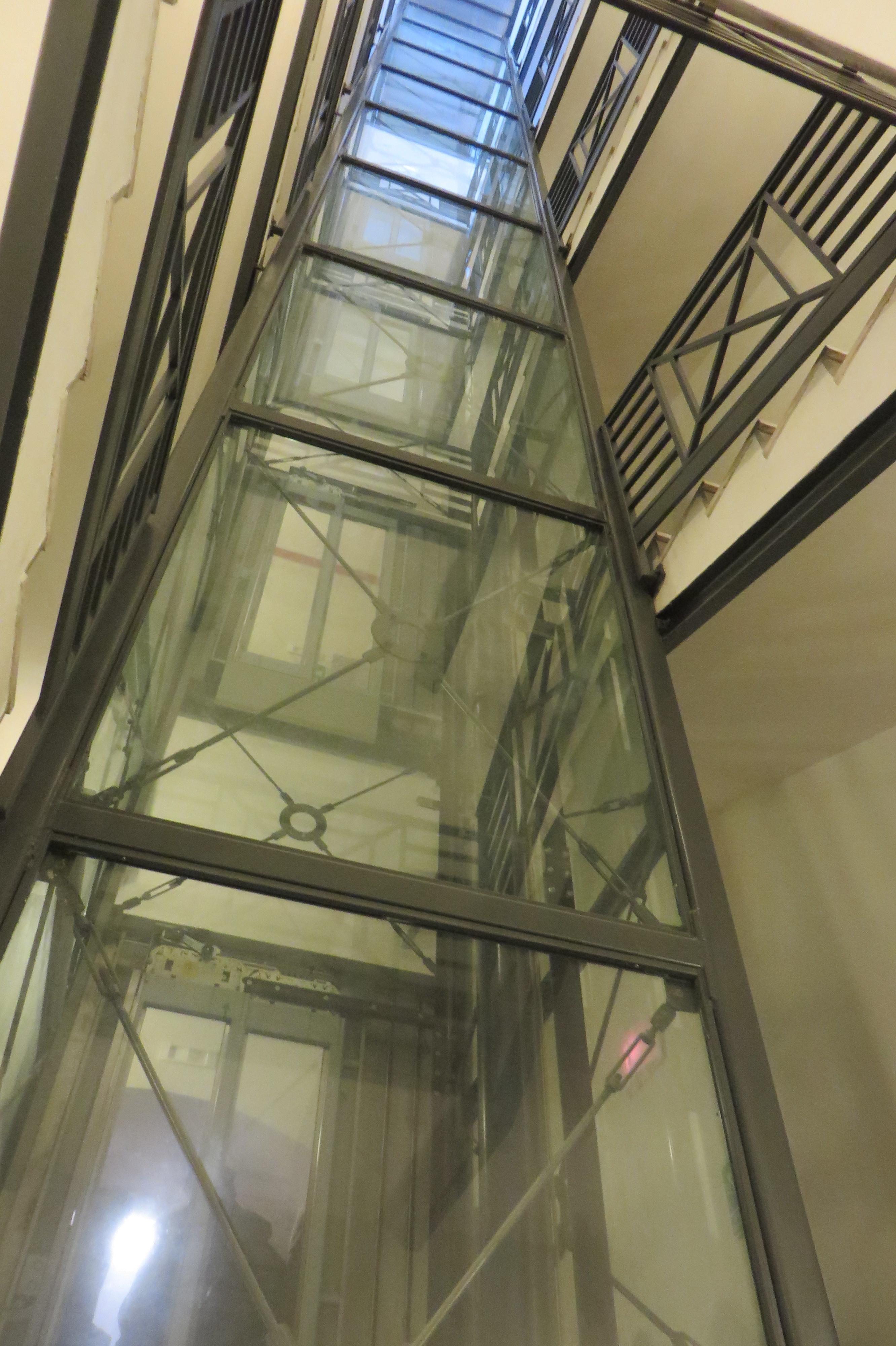 11 ascensoreJPG