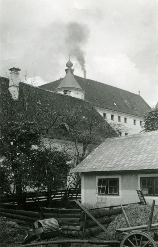 Smoke from the crematorium oven over Hartheim castle 1942 Dokumentationsstelle Hartheimjpg