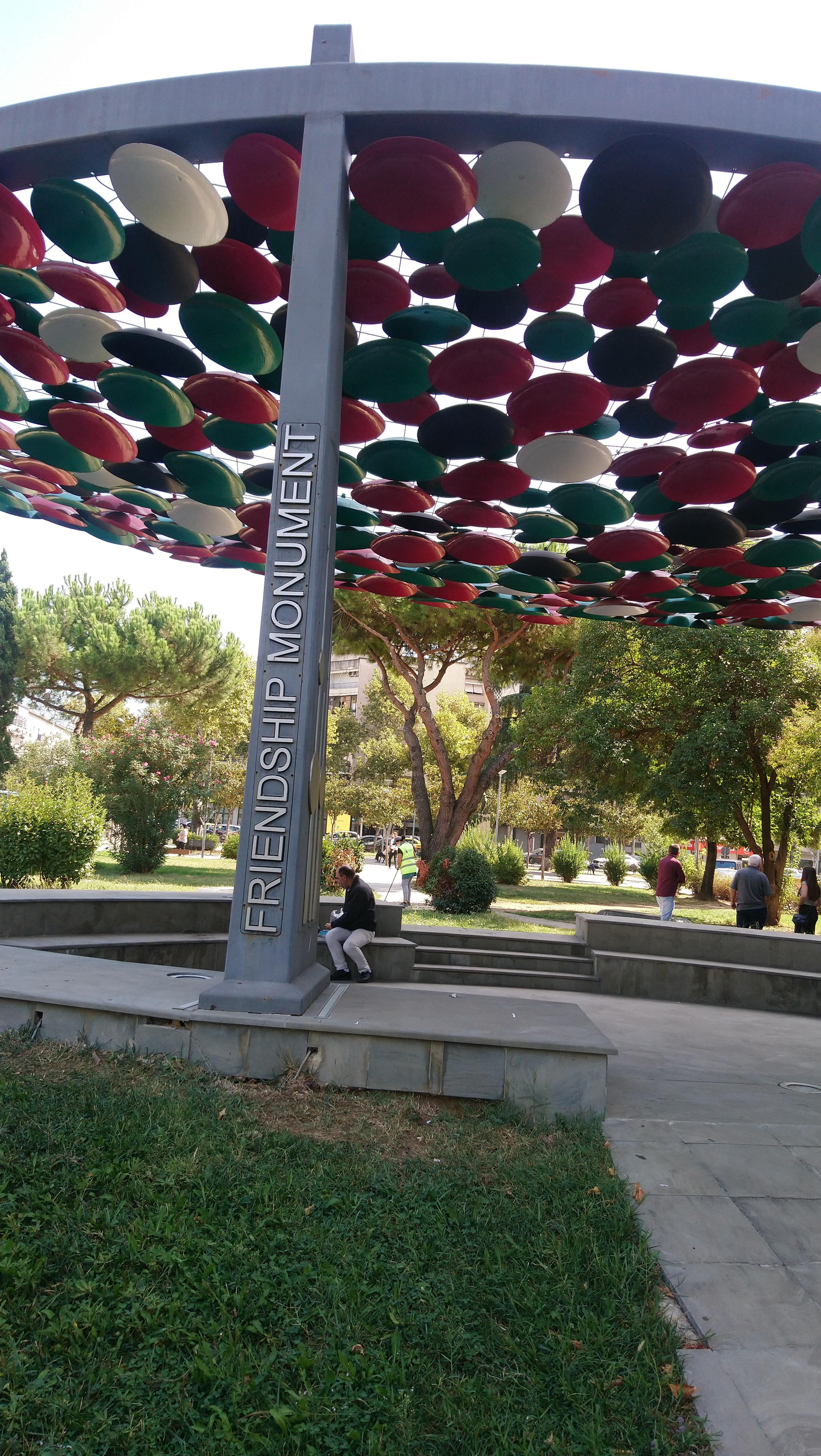MonumentoamiciziaJPG