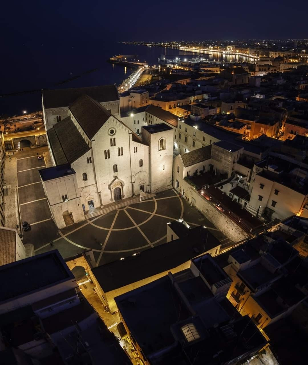 Tour Turistico di Bari in Ape Calessino