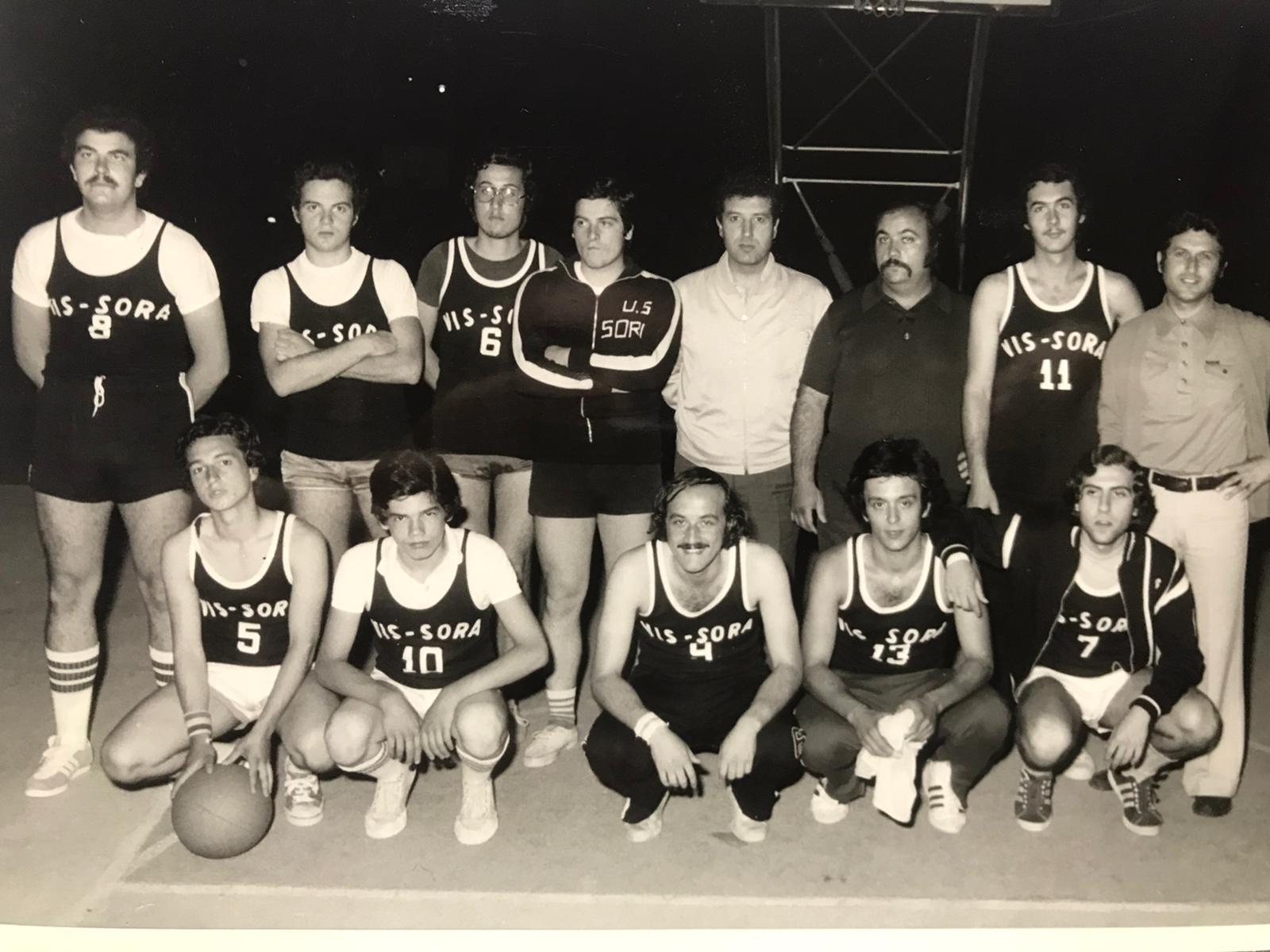 Vecchia Vis Sora basket   In foto Quadrini R-Vicini-Marzano-Tanzilli-Fornari-Bilancetti-Abbate-Caschera-Pescosolido-Ciccodicola-Piellucci-De Ciantis-Quadrini Mjpeg