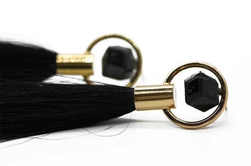 LEGAME EARRINGS - BLACK GARNET