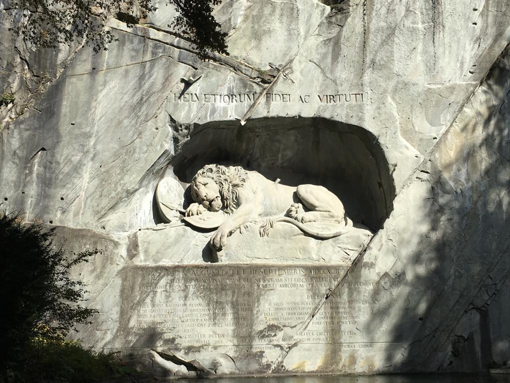 Il leone morente     foto di Paola Cadorinjpeg