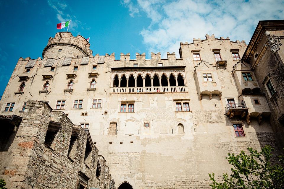 castello-del-buonconsiglio-4284561_960_720jpg