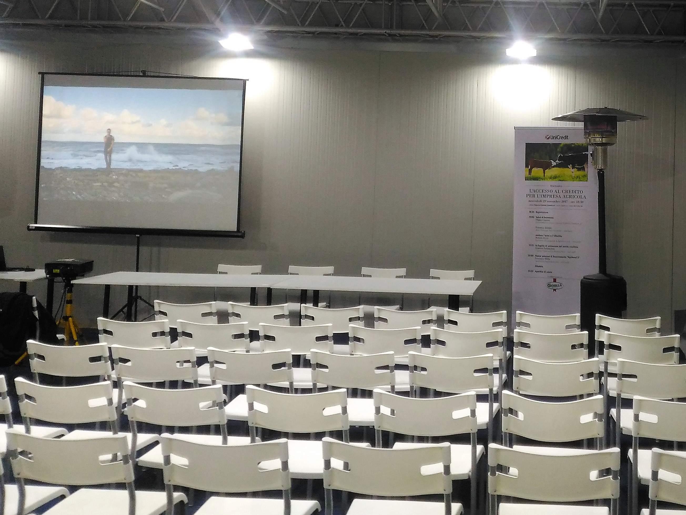 Noleggio sedie per eventi for Arredo service sas foggia