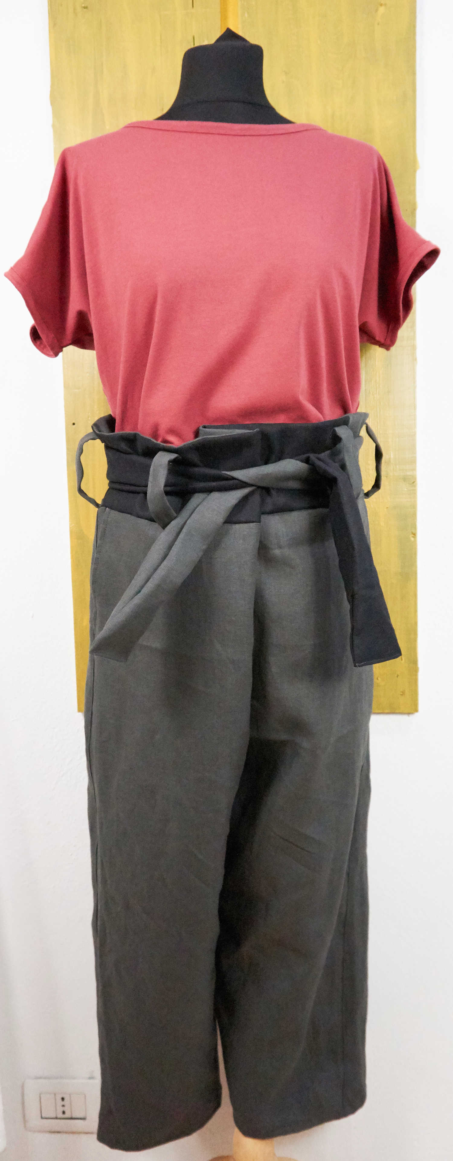 trousers with inserts and lace closure