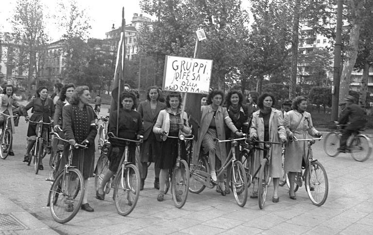 Gruppi difesa della donnapng