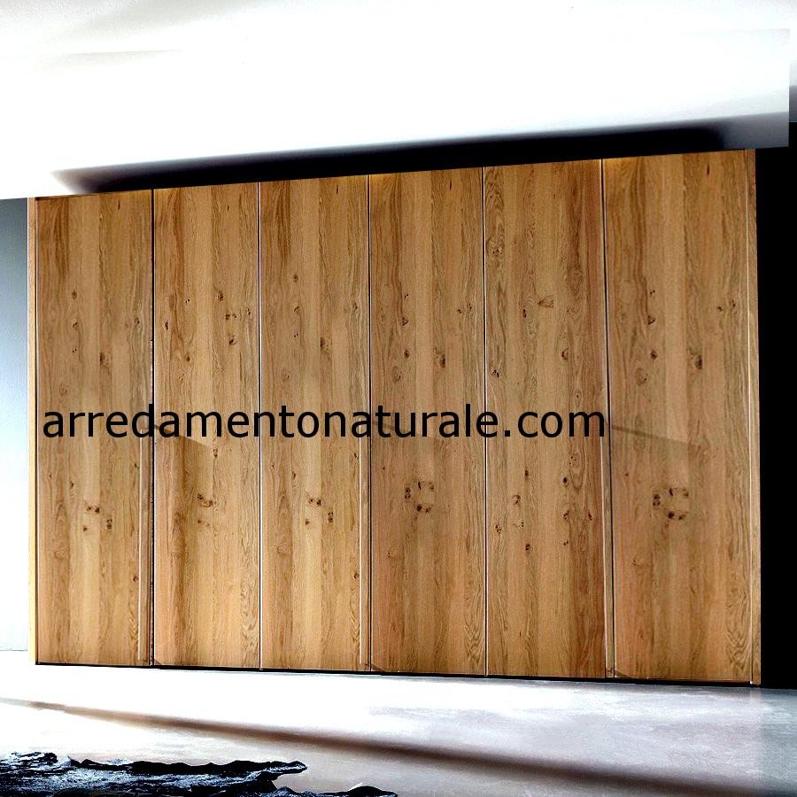 armadi scorrevoli e battente in legno massello
