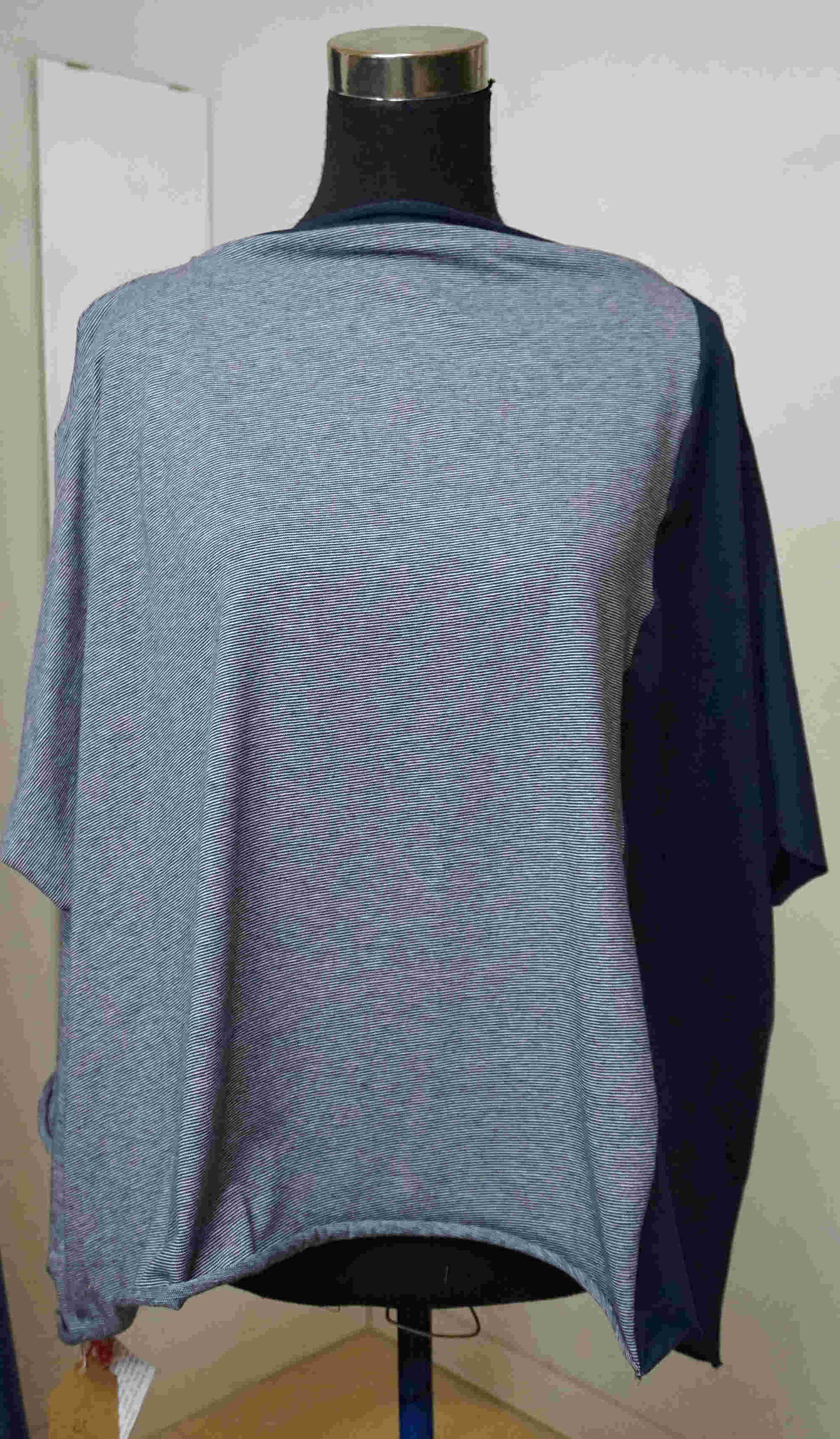 Square sweater with inserts