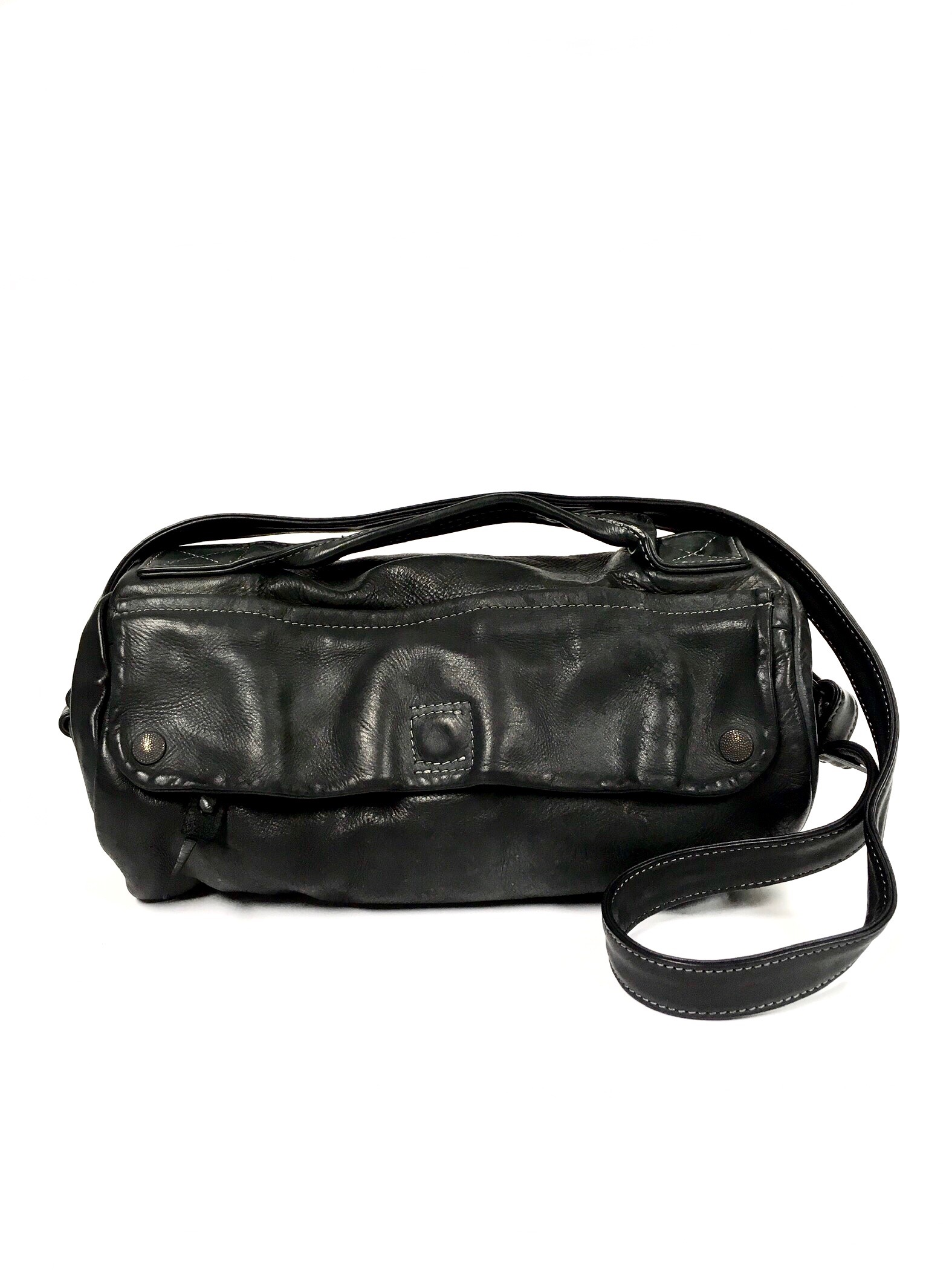black barrel bag