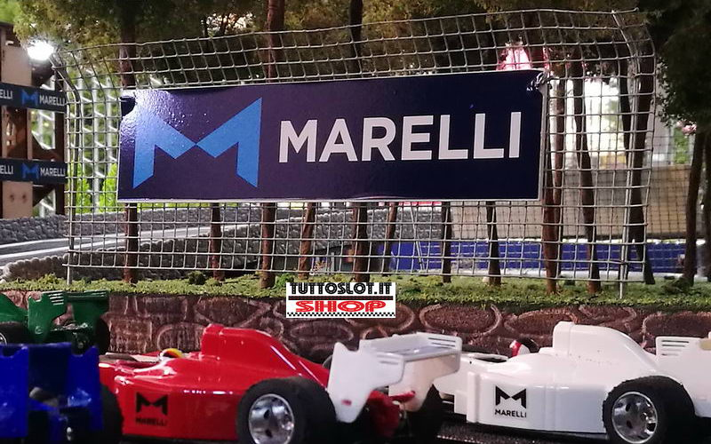 Barriera di protezione di rete metallica con pub - Barrier of wire mesh guard with advertising