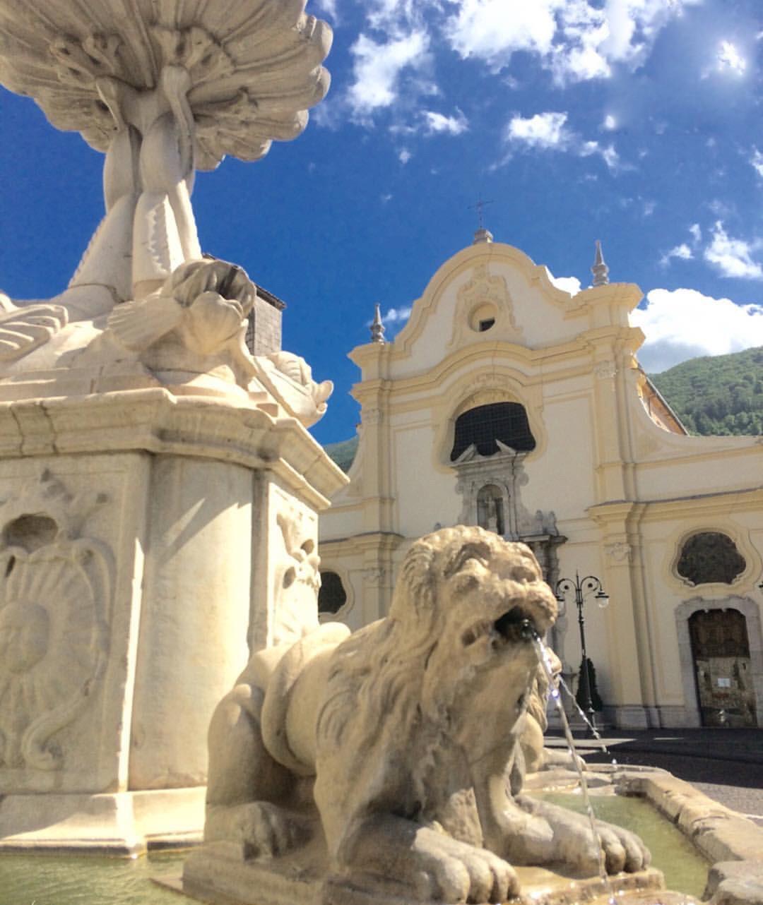 Fontana dei Quattro Leoni  - 2jpg