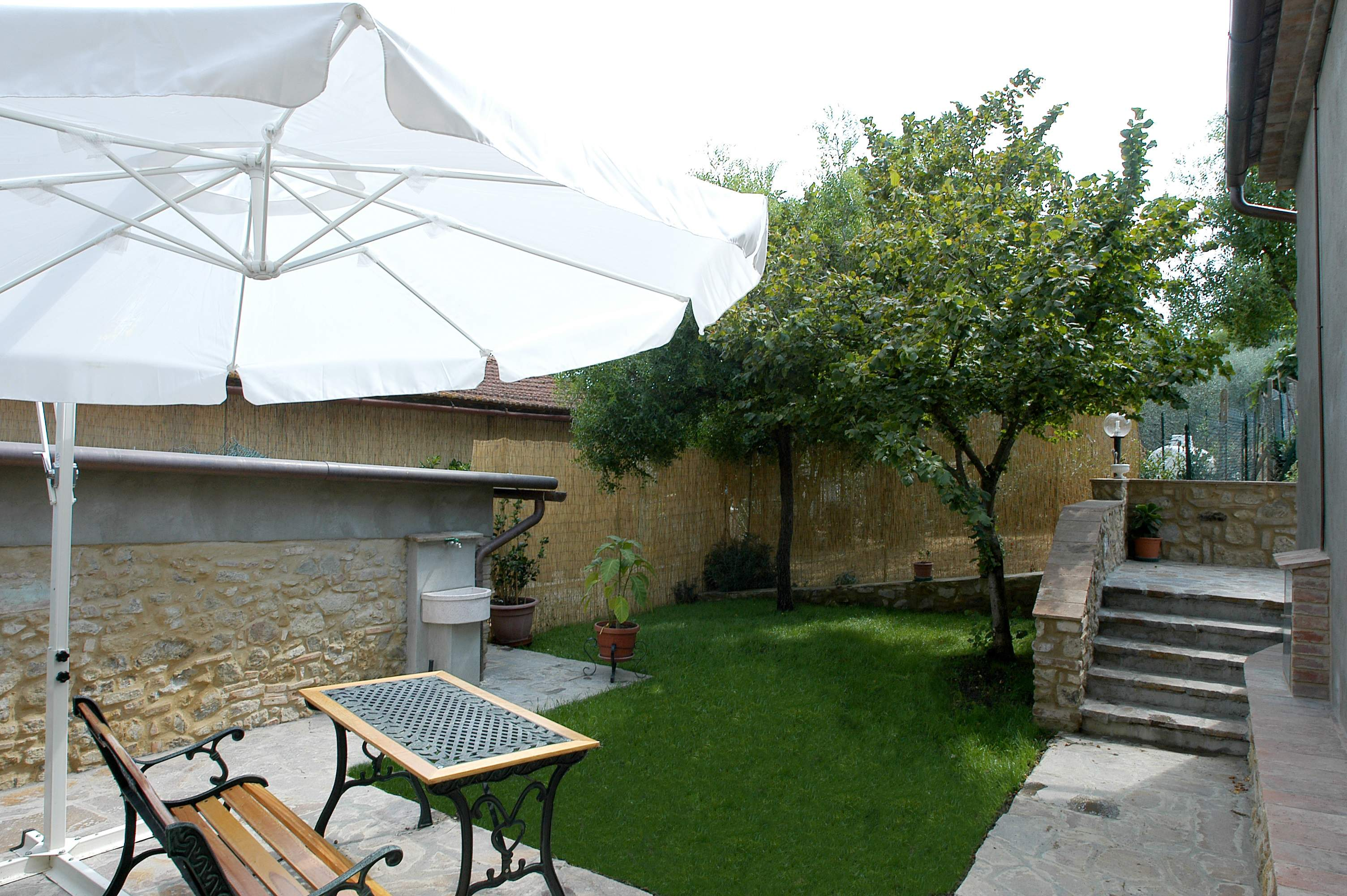 large private garden farmhouse San Gimignano