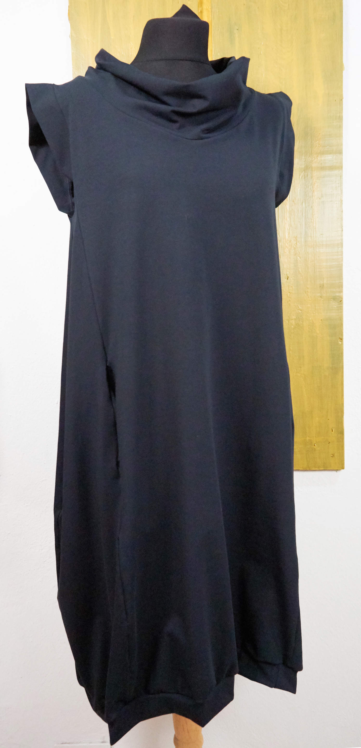 organic cotton wide dress with pockets