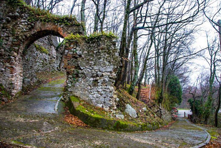 Castello feudale serinojpg