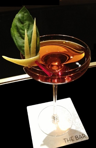 2_Spumarche_Mixologia_The_Dorchester_The_Bar_Facundo_Gallegos_London_web_log_eva_kottrovajpg