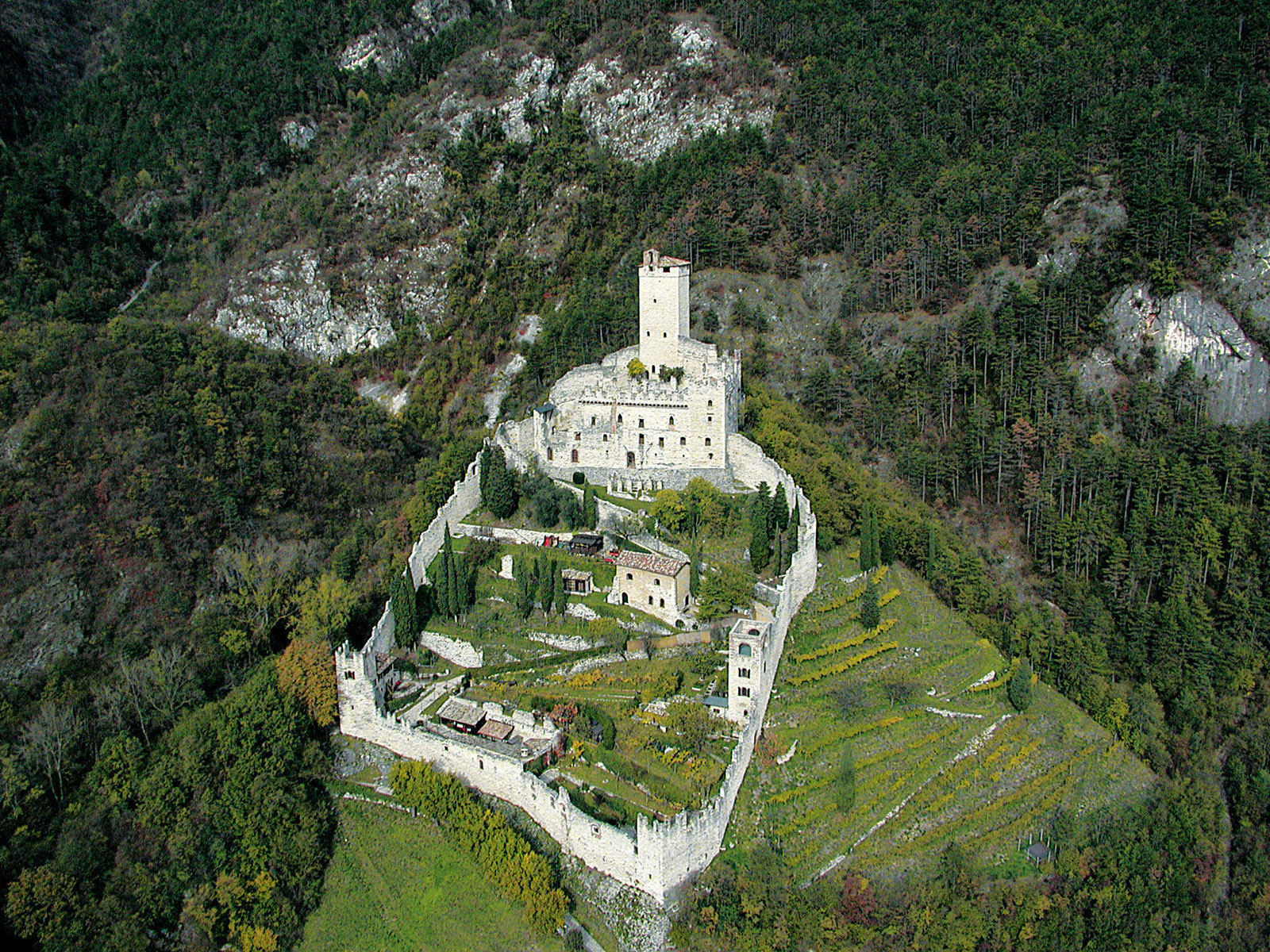 1607_castello-di-avio trentojpg