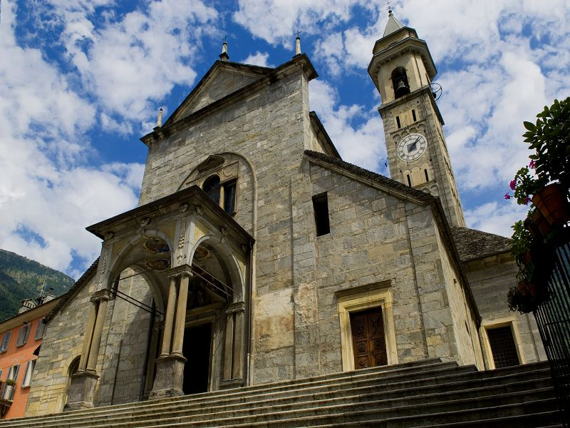 Risultato immagini per chiesa parrocchiale