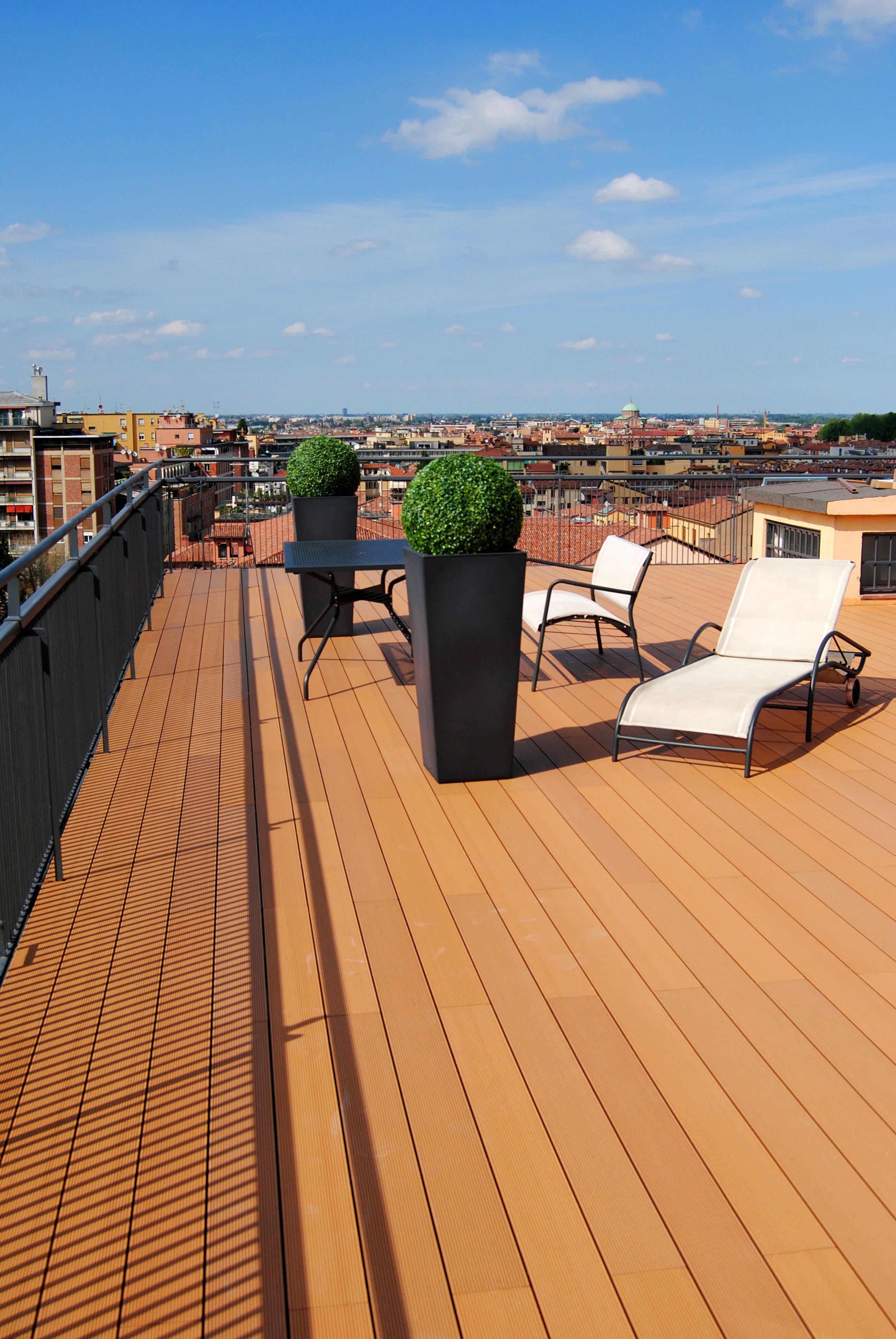 Novowood legno composito per pavimenti esterni piscina - Legno composito per esterni ...