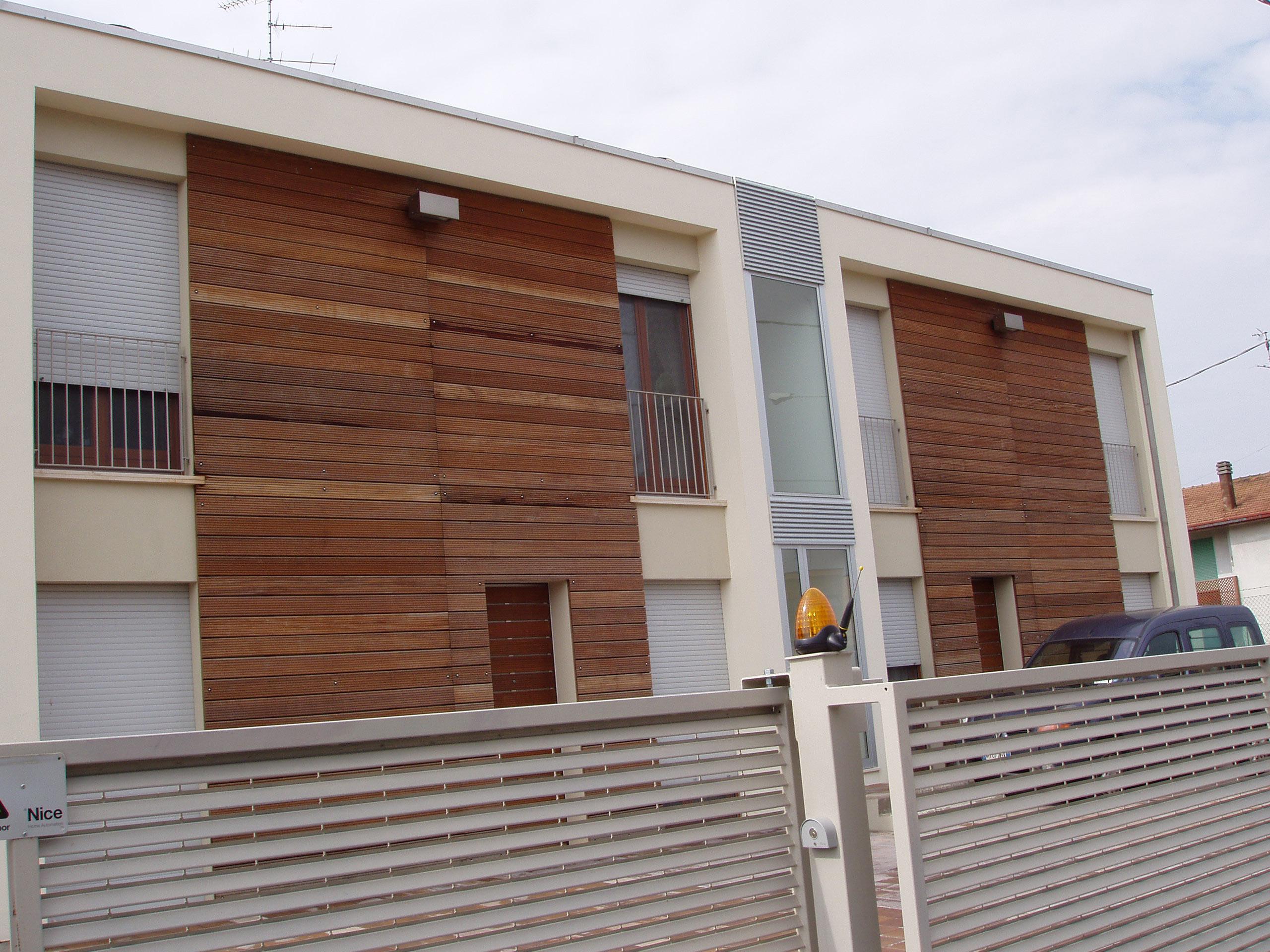 Novowood legno composito per pavimenti esterni piscina giardini - Pavimenti per giardini esterni ...
