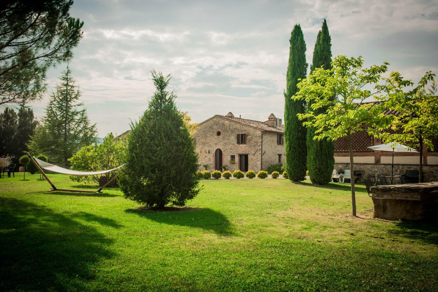 GUESTS UP TO 33 The estate is surrounded by the idyllic landscape of the picturesque hills of Umbria