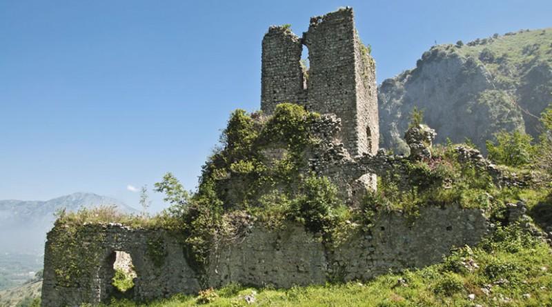Castello_di_Cervinara_Cervinara_-800x445jpg