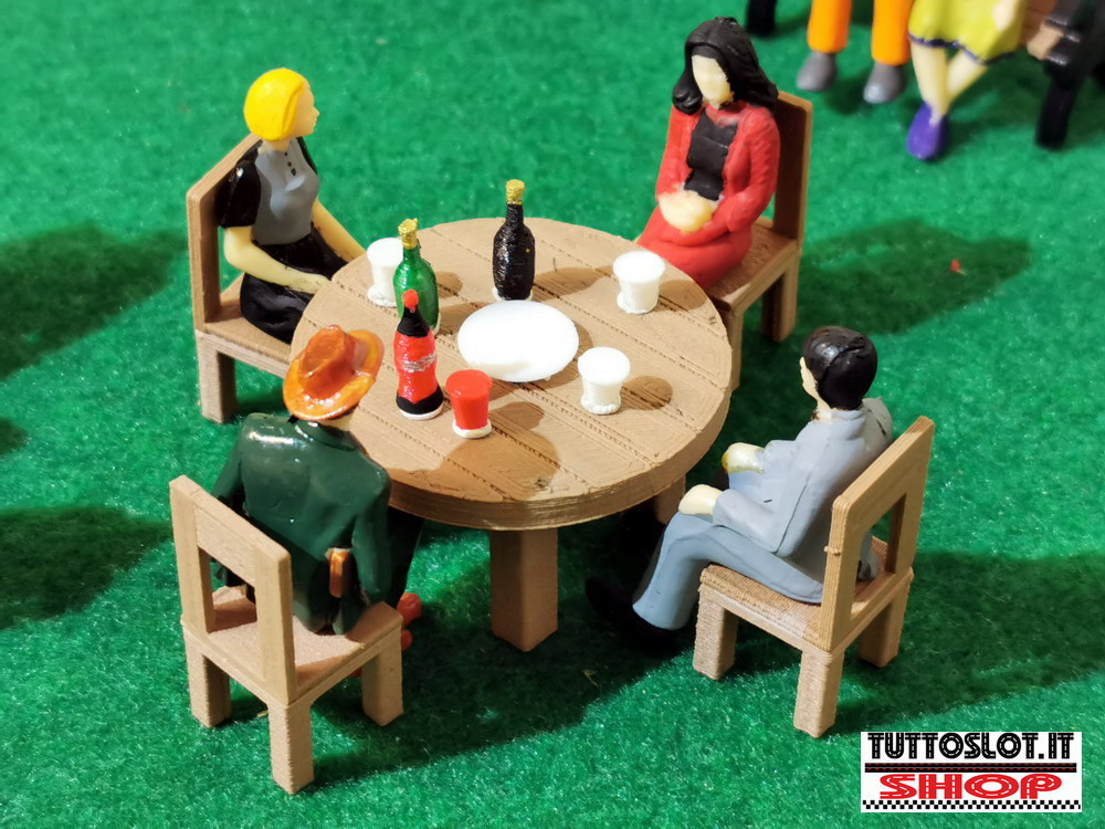 Set Tavolo rotondo con 4 sedie 1:32 - Round table set with 4 chairs 1:32