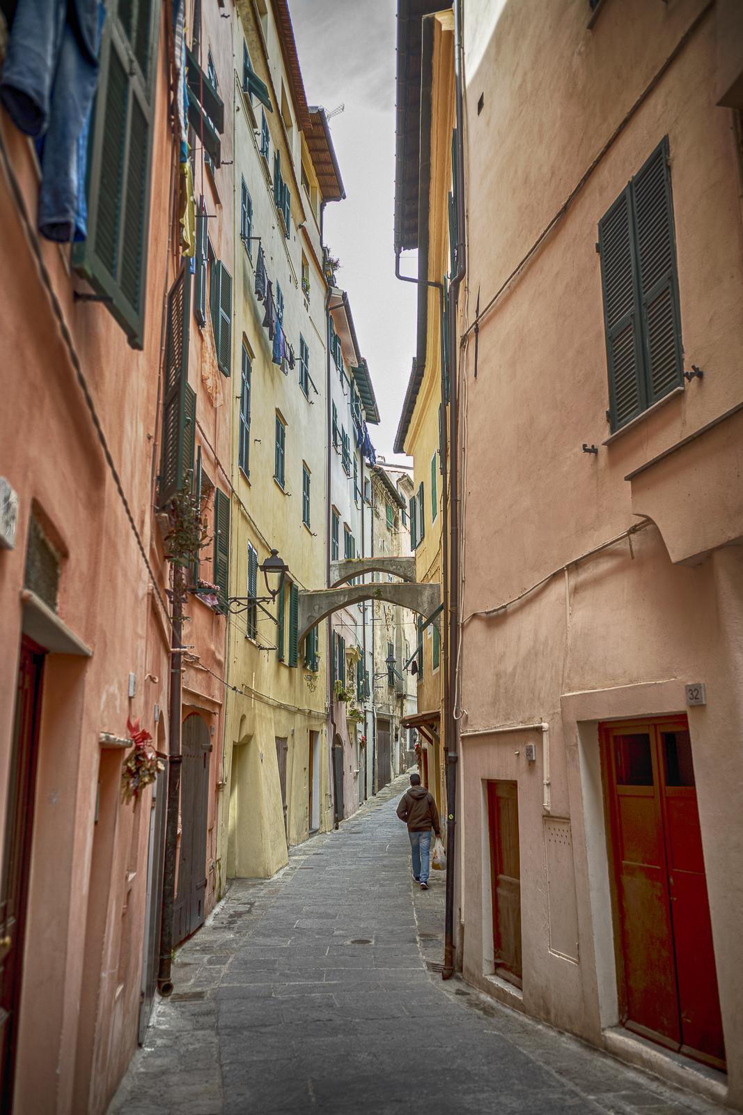Le facciate restaurate di Ventimiglia Altajpg