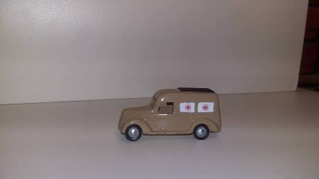 Ambulanza su base Fiat 1100 in scala 1/87 (completa di decals)