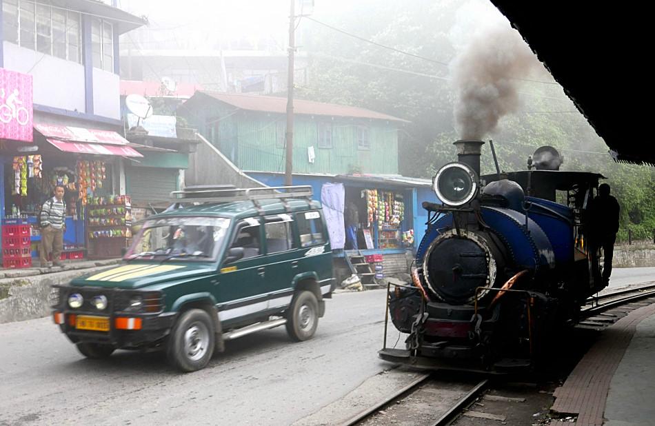 Il Toy Train a GhumJPG