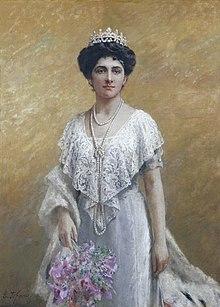 220px-Portrait_of_the_Queen_of_Italy_Elena_of_Montenegrojpg