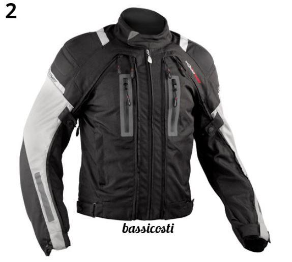 3a781f5592e20d 4 tasche con zip. Tasca con zip nella parte posteriore della giacca. Tasca  interna. Imbottitura termica removibile. Membrana impermeabile traspirante.