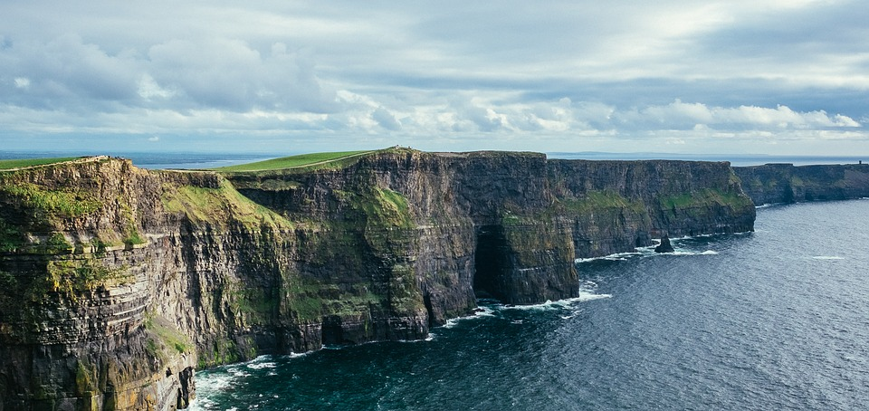 cliff-of-moher-2371819_960_720jpg