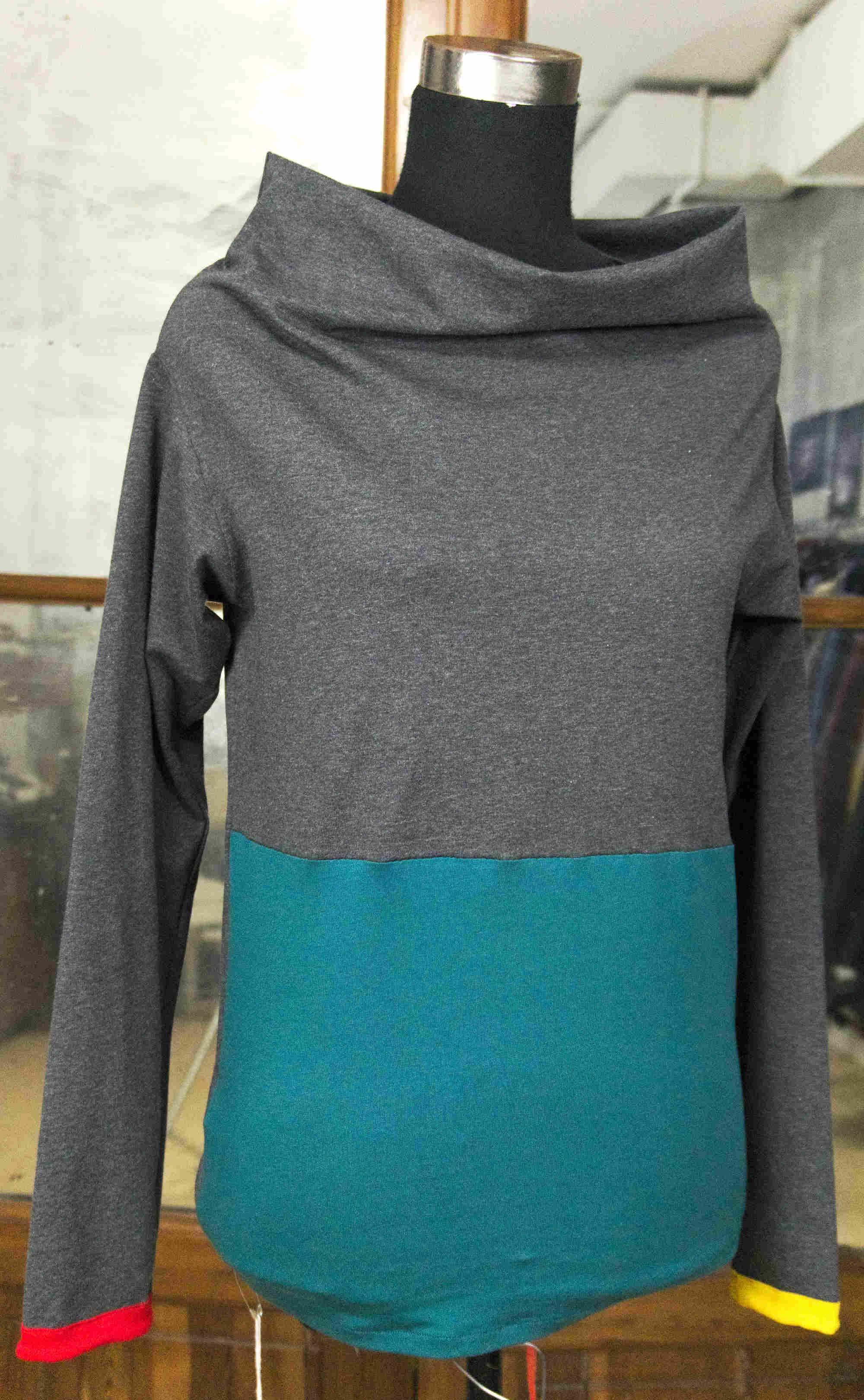 t-shirt with vulcan neck and inserts
