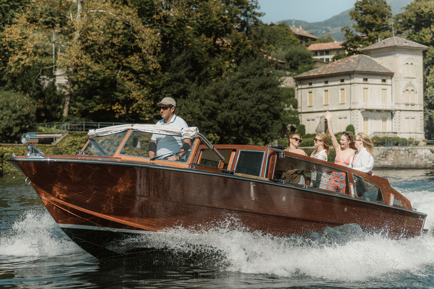 Mostes - Lake Como boat excursion