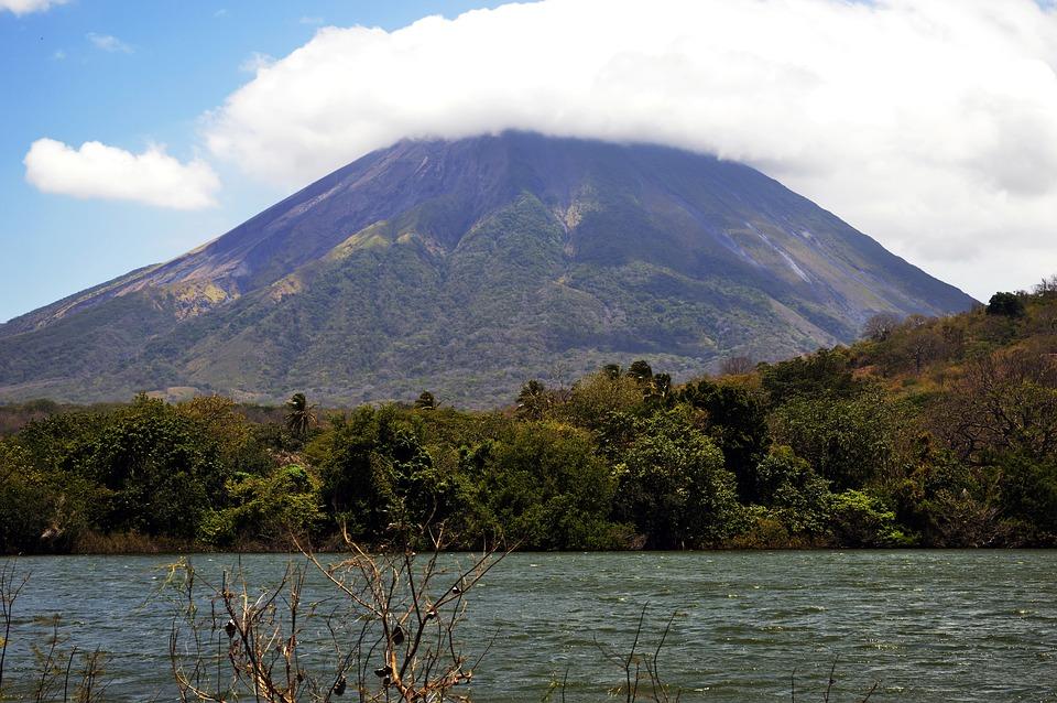 il vulcano Ometepejpg