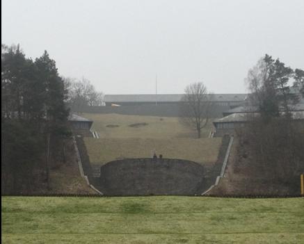 tribuna di Hitler che si affaccia sui campi ginnicipng
