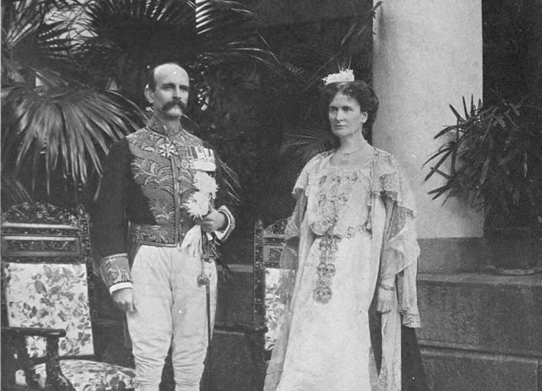 800px-Tcitp_d012_frederick_john_dealtry_lugard_and_wifejpg